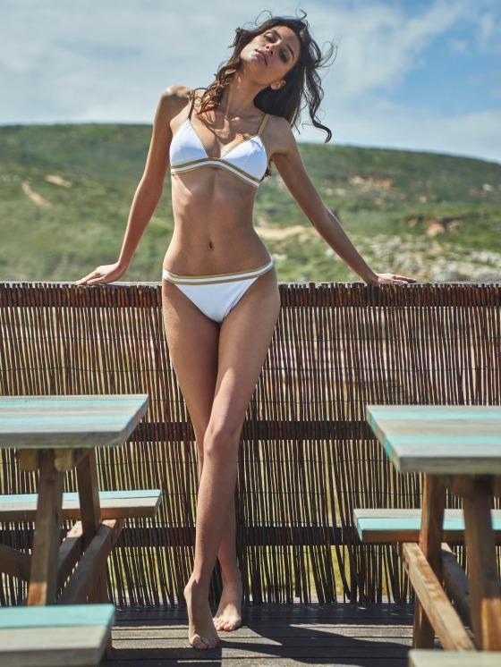 Free Society - Triangle Bikini Top / White & Gold Hipster 1 Imagem Zoom
